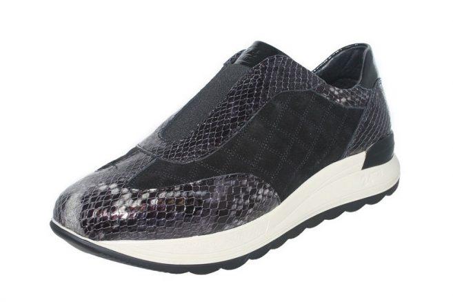 24 HOURS 24760 Ισπανικό Δερμάτινο Sneaker με ειδικά Σχεδιασμένο εσωτερικό ανατομικό πατάκι για ολοήμερο ανάλαφρο περπάτημα.