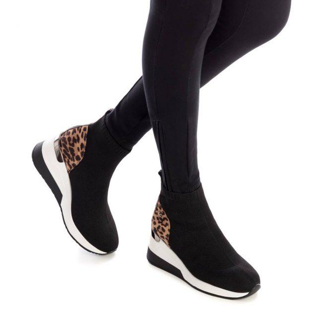 XTI 44568 Sneaker Μποτάκι Κάλτσα του Ισπανικού Οίκου ΧΤΙ με αντιολισθητική σόλα Ιδανικό για την βόλτα σας.