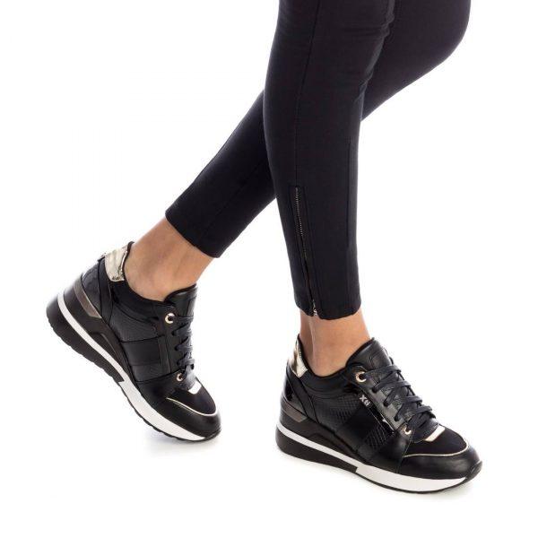 XTI 44656 Sneaker του Ισπανικού Οίκου ΧΤΙ με αντιολισθητική σόλα Ιδανικό για την βόλτα σας.